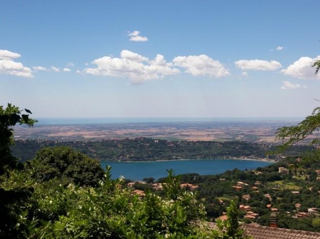 Lake Albano Gandolfo Catsle