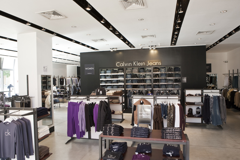 roma shopping calvin klein store negozi di abbigliamento a roma. Black Bedroom Furniture Sets. Home Design Ideas