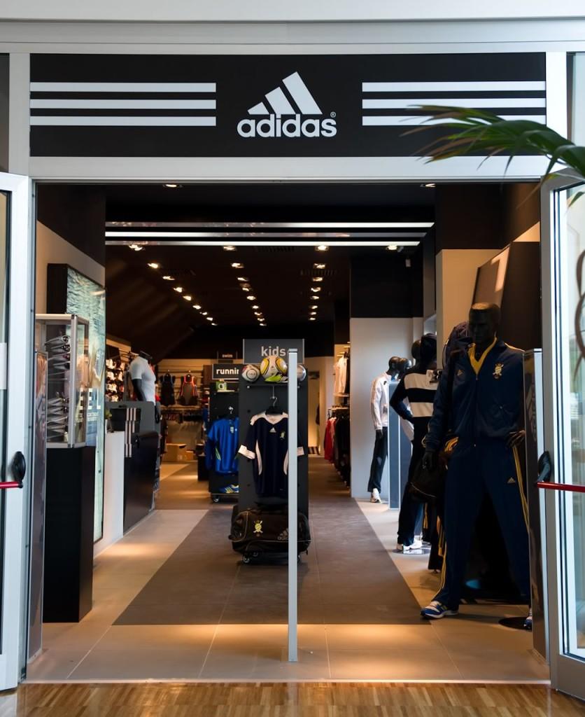 687d0af891 Roma- Shopping - Adidas Store - Negozi di Abbigliamento Sportivo