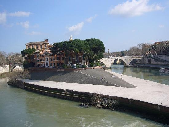 Isola Tiberina Roma