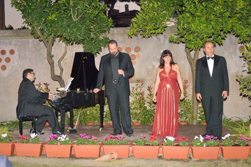Cena de Roma y de la ópera en el Sunset